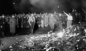 Quema nazi