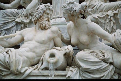 """""""Zeus y Hera"""", escultura en Roma."""