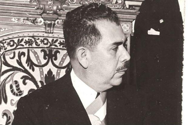 Cárdenas habría de sufrir lo mismo que Hidalgo y Juárez, sobre todo en épocas en las que rechistar en contra de la Reforma Energética de Enrique Peña Nieto era criticado por los medios y sus representantes.